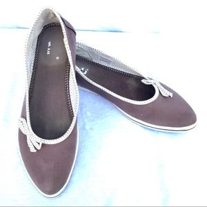 Keds Taupe Pointed Toe Slip-On Sneakers Sz 8